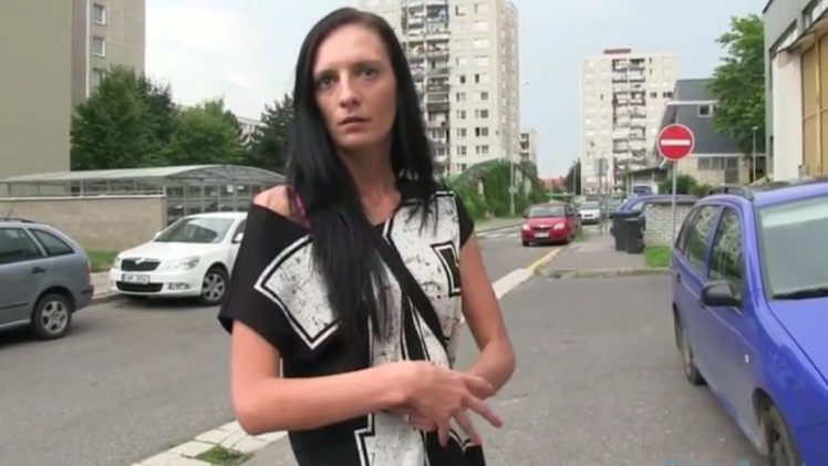 PublicAgent – Laura Jerks And Rides Stranger Dick HD