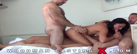 Порно видео кастинг вудмана групповуха