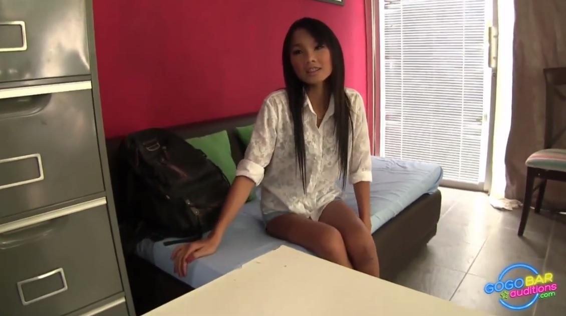 Cute Thai Girl Dance And Fucking In Gogo Bar