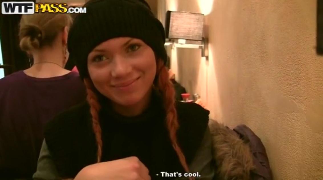 Rusian Beauty Mayola Try Threesoe In Toilet.
