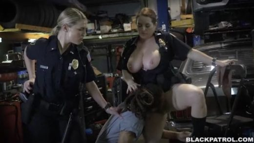 Mechanic Lick Pussiy To Female Cop.