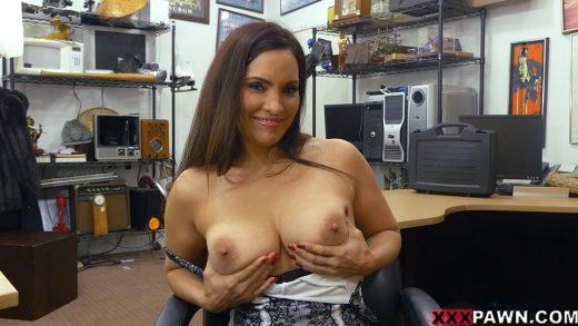 Milf Woman Shows Wonderful Tits.