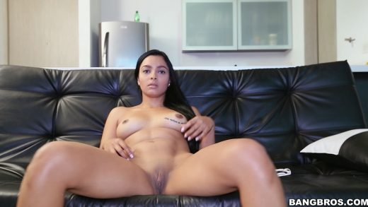Slut With Nice Shaved Pussy Has Nice Time Sucking Dick.