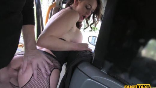 Bitch With No Money Screw In Fake Taxi.