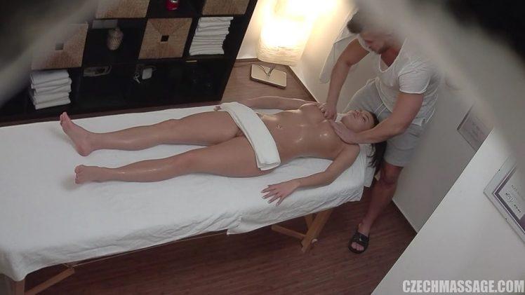 Czech Massage 339 – Bitch On Massage Desk