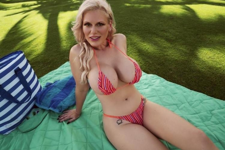 Big Tits Outdoor Public Sex